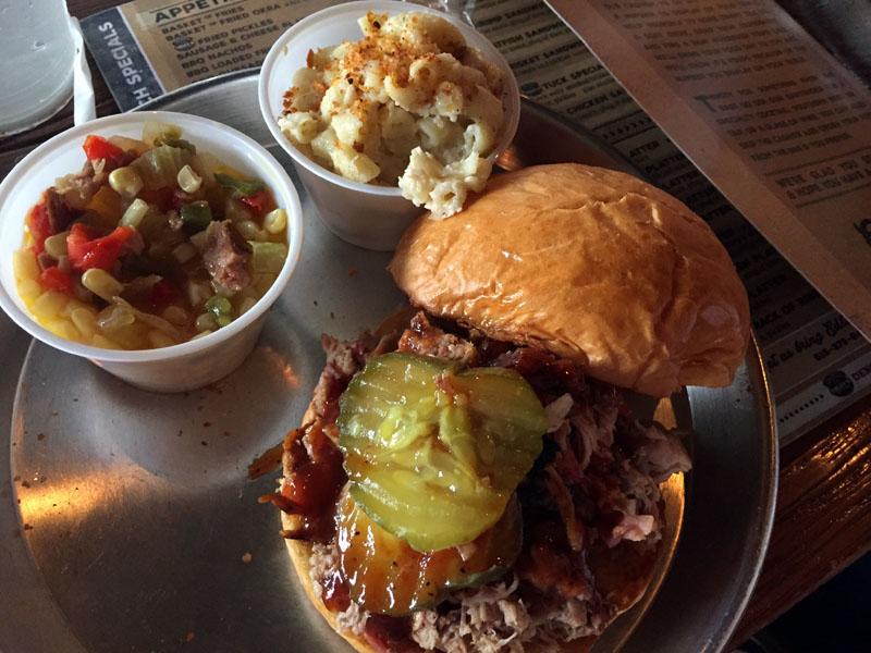 Southern-Food-Pulled-Pork-Sandwich-Nashville-Tennessee